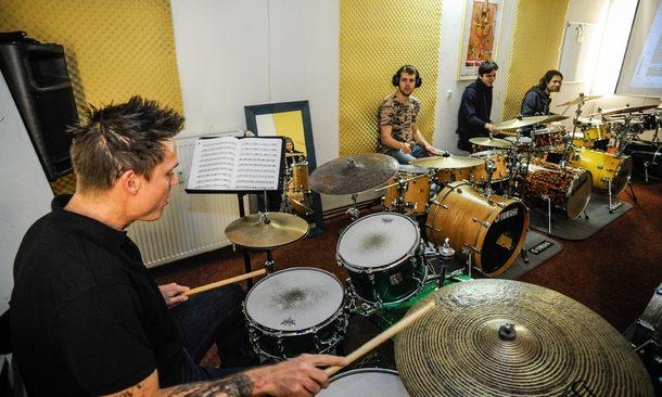 Feature_Drumtrainer_Schule